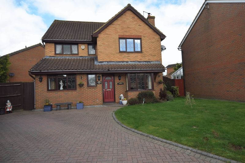 4 Bedrooms Detached House for sale in Bryant Way, Toddington